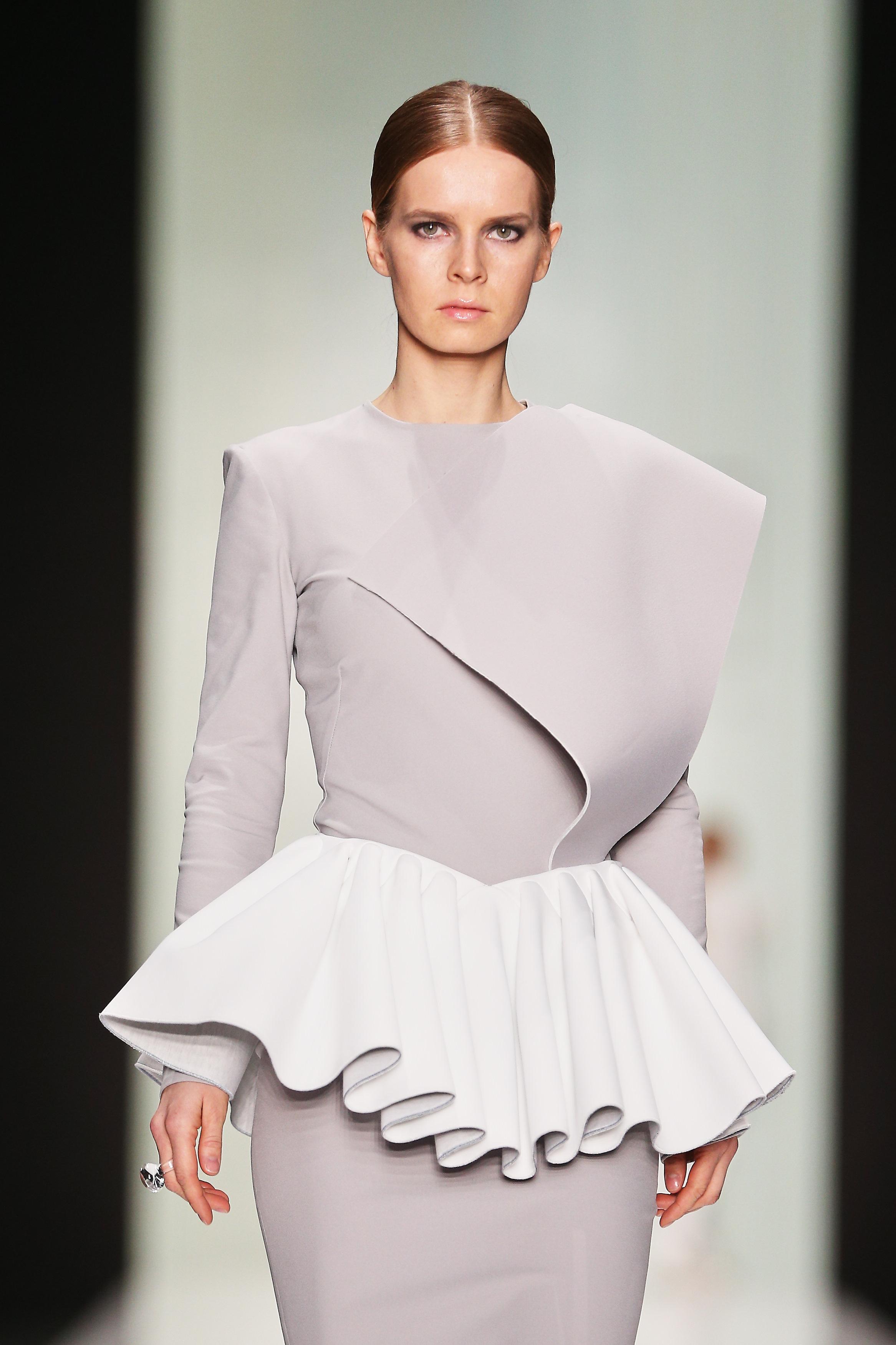 Коллекция прямых платьев